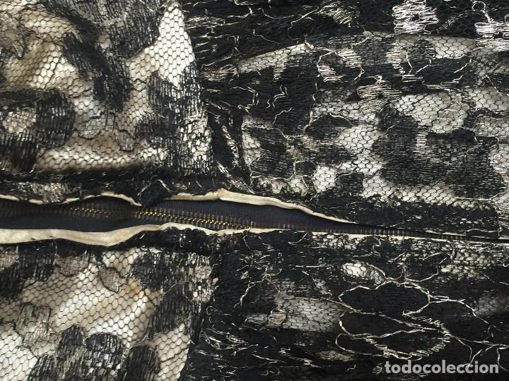 Antigüedades: vestido de fiesta tul negro fondo seda vainilla encaje escote palabra de honor años 40 50 - Foto 4 - 120878055