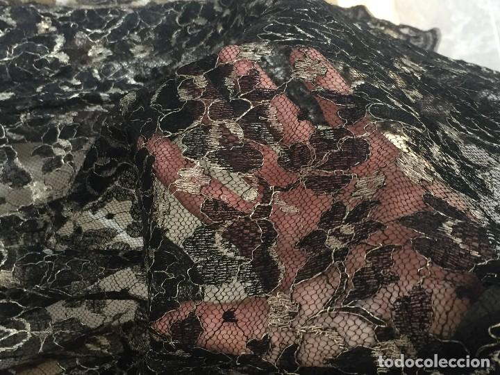 Antigüedades: vestido de fiesta tul negro fondo seda vainilla encaje escote palabra de honor años 40 50 - Foto 5 - 120878055