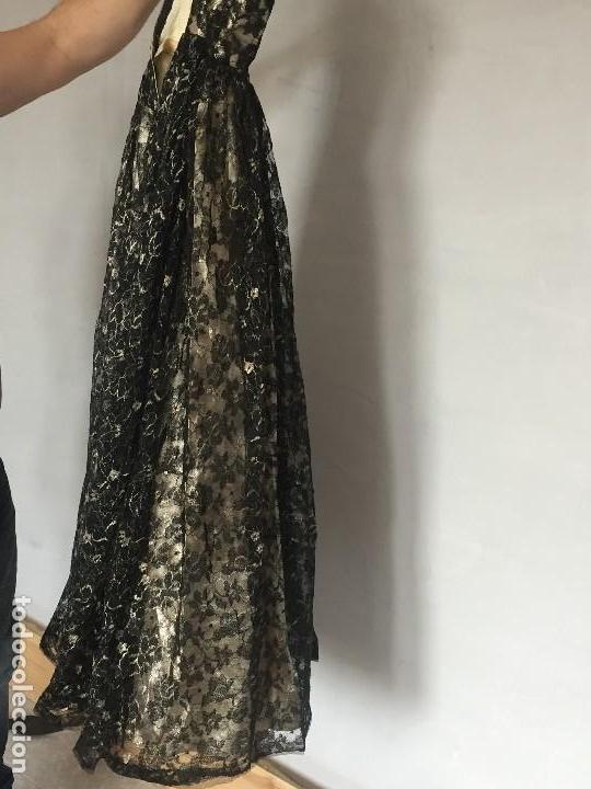 Antigüedades: vestido de fiesta tul negro fondo seda vainilla encaje escote palabra de honor años 40 50 - Foto 21 - 120878055
