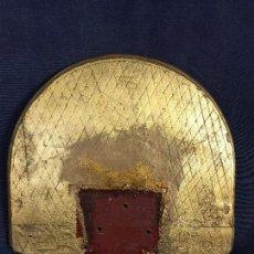 Antigüedades: TABLA DE MENSULA DORADA MADERA IDEAL FIGURA RELIGIOSA VIRGEN SANTO 23,5X27CMS. Lote 120894587