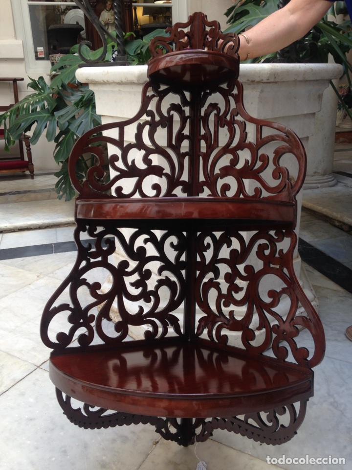 Antigüedades: Estantería rinconera, repisa de caoba siglo XIX, restaurada - Foto 2 - 121005755
