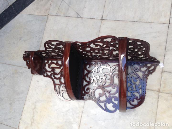 Antigüedades: Estantería rinconera, repisa de caoba siglo XIX, restaurada - Foto 16 - 121005755