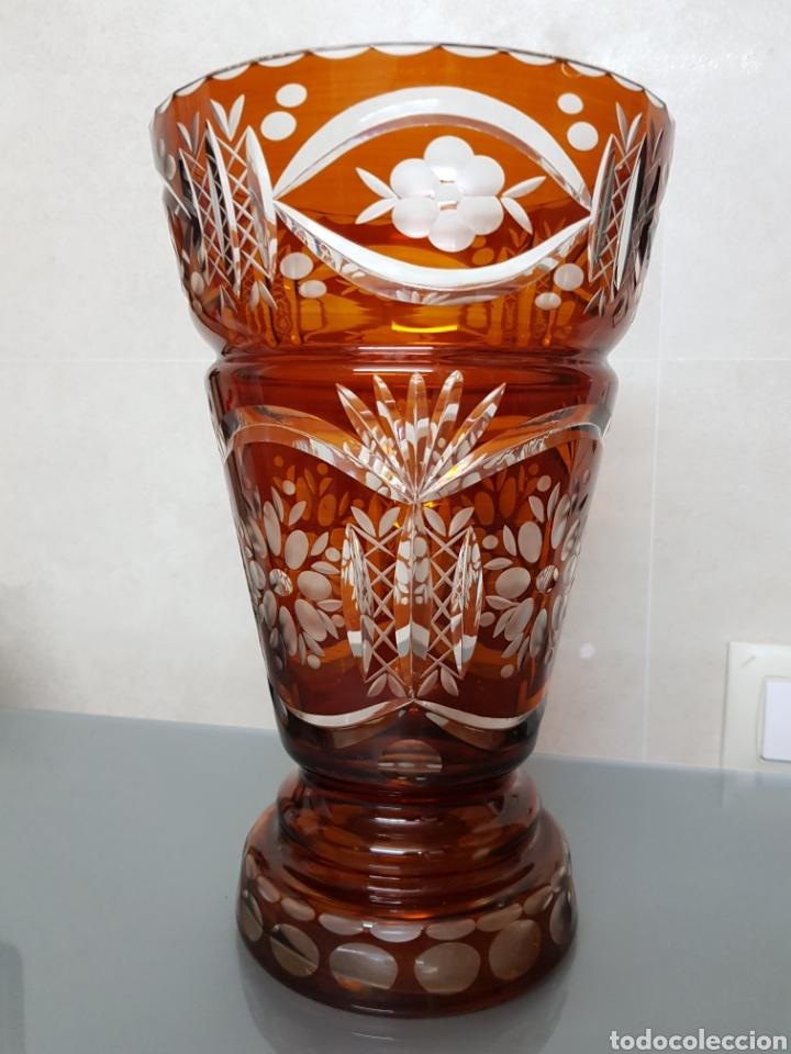ANTIGUO JARRON CRISTAL BOHEMIA GRABADO 27X17CM GROSOR 5MM EXCELENTE 1300GR. (Antigüedades - Cristal y Vidrio - Bohemia)