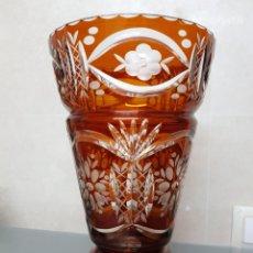 Antigüedades: ANTIGUO JARRON CRISTAL BOHEMIA GRABADO 27X17CM GROSOR 5MM EXCELENTE 1300GR.. Lote 121068111