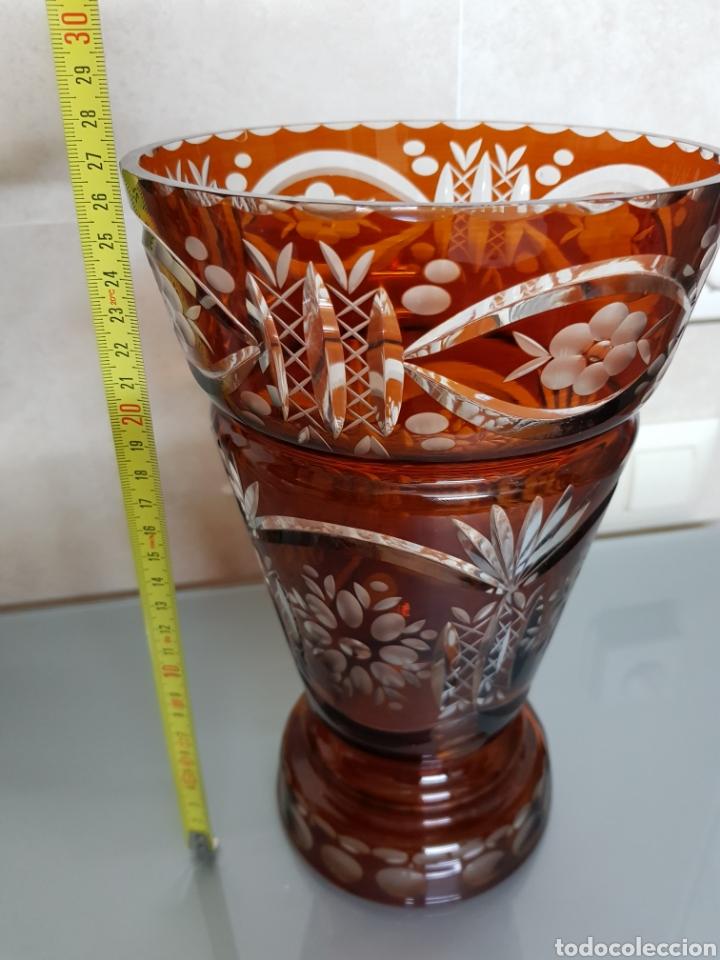 Antigüedades: ANTIGUO JARRON CRISTAL BOHEMIA GRABADO 27X17cm GROSOR 5mm EXCELENTE 1300gr. - Foto 6 - 121068111