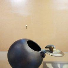 Antigüedades: ESCULTURA-CENICERO DE BRONCE VINTAGE FIRMADO.. Lote 121072310