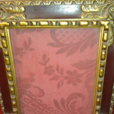 Antigüedades: ANTIGUO MARCO MADERA CON ADORNOS EN PAN DE ORO.. Lote 121133627