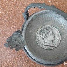 Antigüedades: ANTIGUO JUEGO CENICEROS NAPOLEON METALICOS. Lote 121144771
