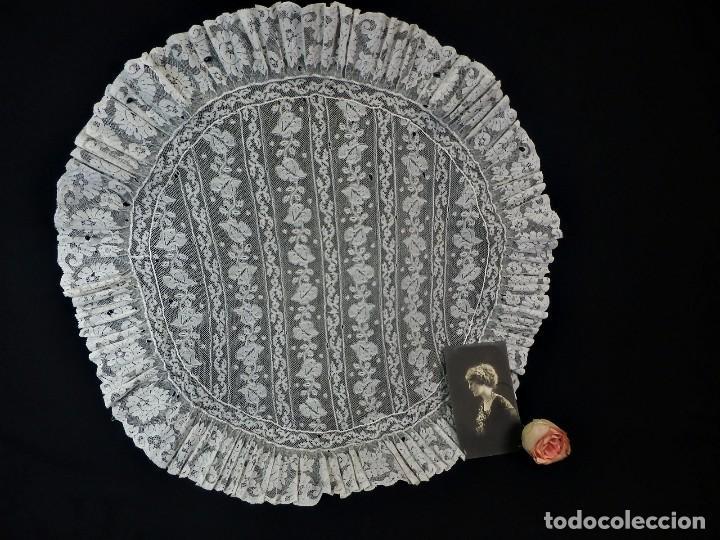 1512 TAPETE ENCAJE ANTIGUO A REVISAR (Antigüedades - Moda - Encajes)