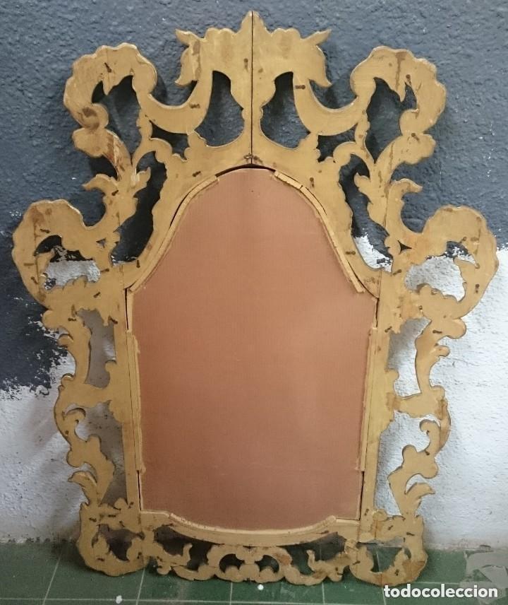 Antigüedades: Antiguo espejo de madera tallada Carlos IV, dorado. Fino y elegante. 120x85 cm. Leer - Foto 2 - 121232183