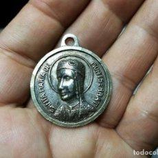 Antigüedades: ANTIGUA MEDALLA NUESTRA SEÑORA DE MONTSERRAT Y SAN JOSE...ALPACA BAÑO PLATA...RARA. Lote 121249043