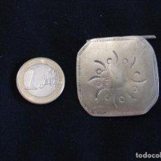 Antigüedades: GRANDES. BOTONES ANTIGUOS PLATA INDUMENTARIA UNIDAD. Lote 121280707