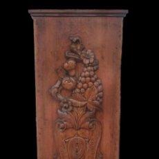 Antigüedades: ANTIGUA TABLA DE MADERA TALLADA CON MOTIVOS VEGETALES.CASINO MERCANTIL DE ZARAGOZA.MODERNISTA.131X62. Lote 121322235