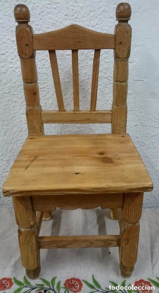 Antigüedades: Antigua silla de madera de pino de niños. Restaura. Única. 68x32x31 cm. Leer y ver fotos. Única - Foto 5 - 121346995