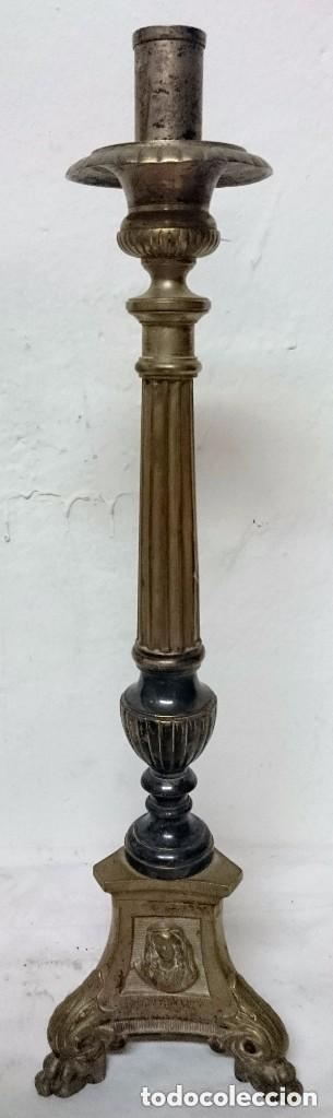 ANTIGUO CANDELABRO, CIRIAL, HACHERO BRONCE CON BAÑO DE PLATA. SIGLO XIX. 44 CM DE ALTURA. CON CARAS. (Antigüedades - Iluminación - Candelabros Antiguos)