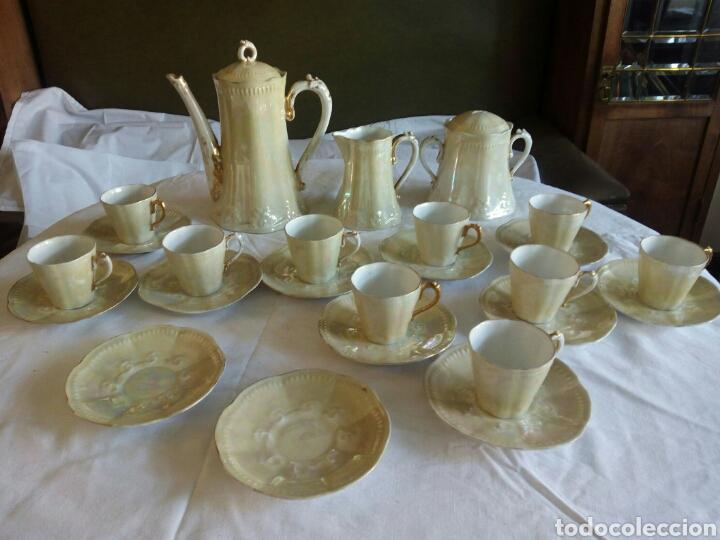 Antigüedades: Juego cafe, diez tazas, 12 platillos, le falta el asita al azucarero, defectos en dorados - Foto 9 - 121367564