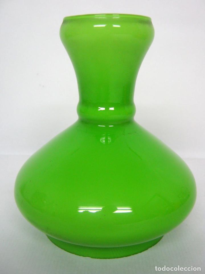 BELLA TULIPA PARA LAMPARA QUINQUE - OPALINA VERDE MUSGO º 10 CM (Antigüedades - Iluminación - Quinqués Antiguos)