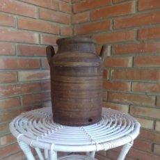 Antigüedades: TINAJA LECHERA DE BARRO DE NAVARRETE. Lote 121426555