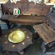 Antigüedades: CONJUNTO SOFA Y SILLONES CASTELLANOS TALLADOS CON BRASERO. Lote 121436586