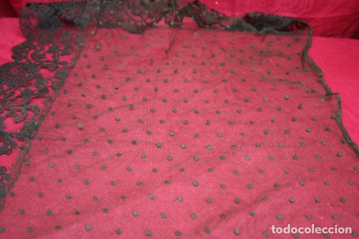 Antigüedades: ANTIGUA MANTILLA BLONDA 100 X 40 CM - Foto 10 - 121474699