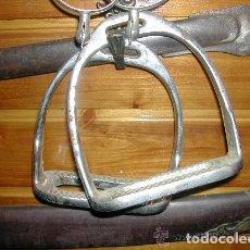 Antigüedades: ANTIGUA PAREJA DE ESTRIBOS . Lote 121482687