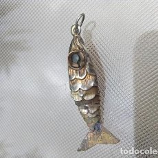 Antigüedades: RARE 19TH CENTURY FRENCH ANTIQUE REIQUARY STERLING SILVER FISH PENDANT ARTICELATED FISH . Lote 121563959