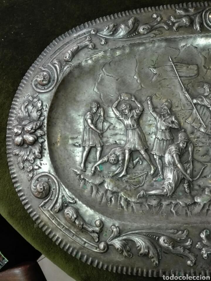 Antigüedades: Bandeja en plata de ley - Foto 2 - 121622811