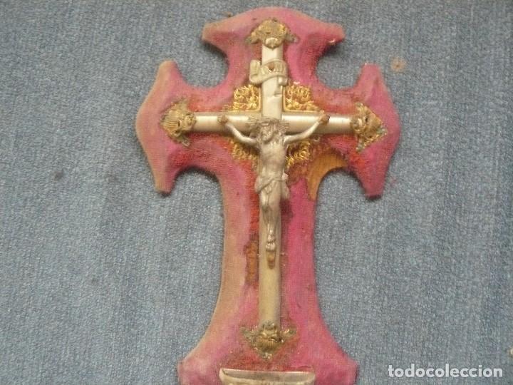 Antigüedades: Cruz de pared de 22 cms. con benditera - Foto 2 - 121647303