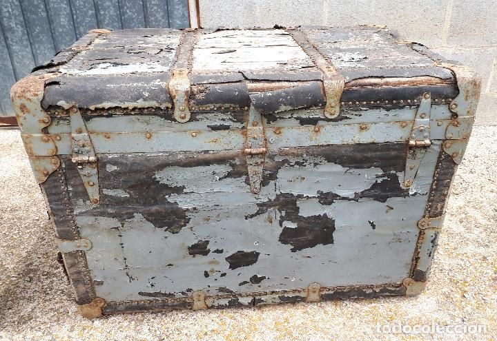 Antigüedades: Baúl de viaje americano, 82 x 55 x 52 cm, a restaurar - Foto 2 - 121655895