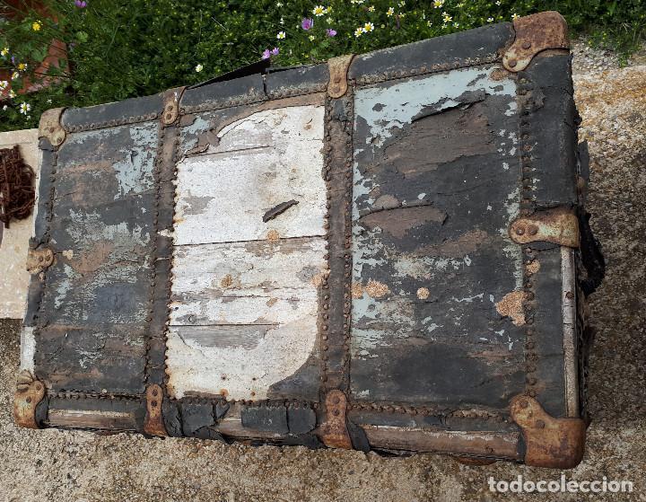 Antigüedades: Baúl de viaje americano, 82 x 55 x 52 cm, a restaurar - Foto 3 - 121655895