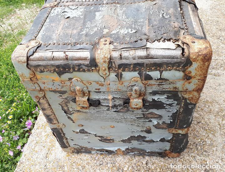 Antigüedades: Baúl de viaje americano, 82 x 55 x 52 cm, a restaurar - Foto 5 - 121655895