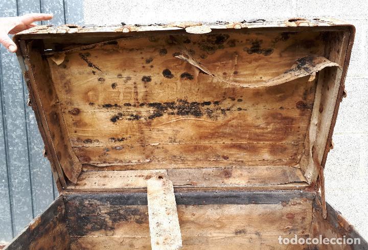 Antigüedades: Baúl de viaje americano, 82 x 55 x 52 cm, a restaurar - Foto 8 - 121655895