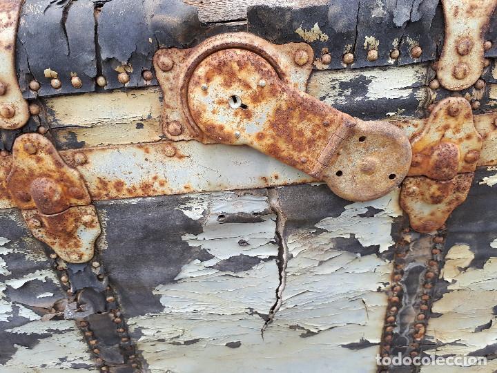 Antigüedades: Baúl de viaje americano, 82 x 55 x 52 cm, a restaurar - Foto 10 - 121655895