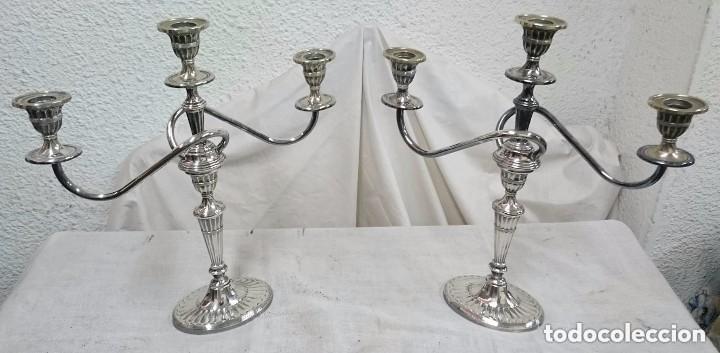 ANTIGUA PAREJA DE CANDELABROS-CANDELABRO DE ALPACA BAÑADA EN PLATA. MODERNISTA. PERFECTOS. LEER (Antigüedades - Iluminación - Candelabros Antiguos)