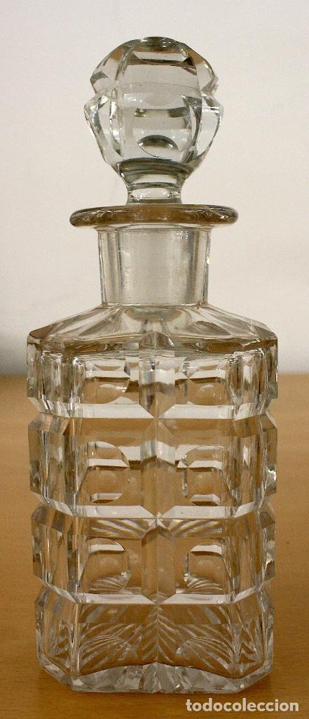 LICORERA ANTIGUA EN CRISTAL TALLADO CON JUEGO DE 6 VASOS (Antigüedades - Cristal y Vidrio - Otros)
