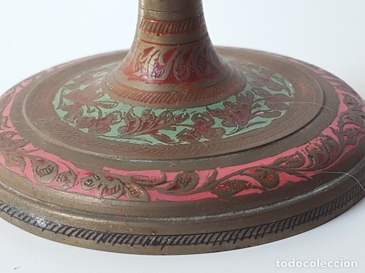 Antigüedades: PAREJA CANDELABROS EN BRONCE TALLADO Y PINTADO - Foto 3 - 121854235