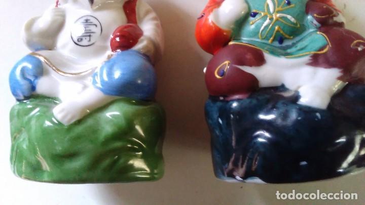 Antigüedades: Pareja de figuras chinas de porcelana - Foto 10 - 121862907