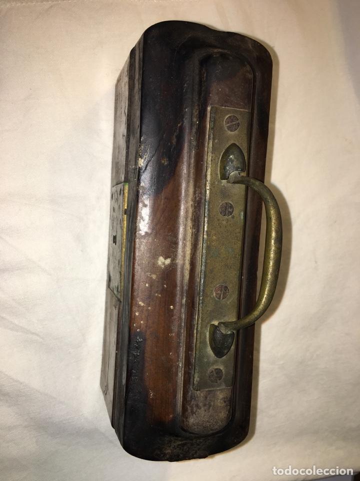 Antigüedades: Porta óleos antiguo en madera de nogal negro - Foto 2 - 121870374