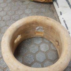 Antiquités: MUY ANTIGUO PIE O BASE PARA TINAJA HERMANOS GRANADOS LUCENA. Lote 121961203
