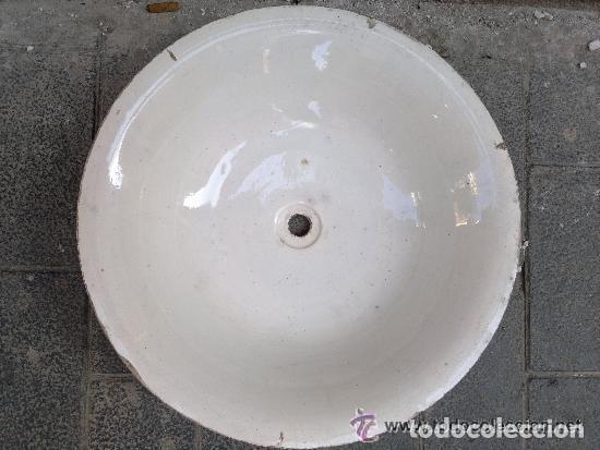 ANTIGUA JOFAINA O PALANGANA DE AGUAMANIL DE PORCELANA BLANCA. 40 CM DE DIÁMETRO (Antigüedades - Porcelanas y Cerámicas - Otras)