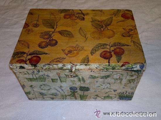 Antigüedades: antigua caja de madera decorada con diversos motivos. Muy graciosa - Foto 2 - 121977383