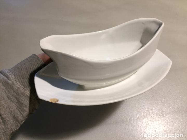 Antigüedades: Antigua salsera de porcelana blanca de los años 40-50 - Foto 4 - 121983463