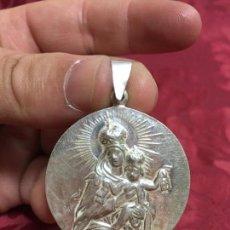 Antigüedades: FANTASTICA MEDALLA DE PLATA VIRGEN DEL CARMEN - MEDIDA 38MM - RELIGIOSO - RELIGIOSA. Lote 122007303