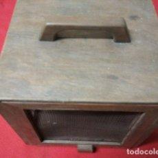 Antigüedades: ANTIGUA FRESQUERA PORTATIL. Lote 122032691