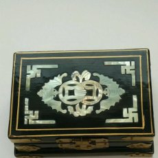 Antigüedades: CHINESE VINTAGE / BLACK LACQUER MOTHER / PEARL JEWELRY WOODEN BOX 1900-1940. Lote 122048015