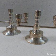 Antigüedades: PAREJA DE CANDELABROS, 3 LUCES, METAL PLATEADO. Lote 122076423