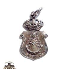 Antigüedades: MEDALLA NUESTRA SEÑORA DEL ROCIO. REAL HERMANDAD DE HUELVA. 6 X 3 CM. Lote 122081807