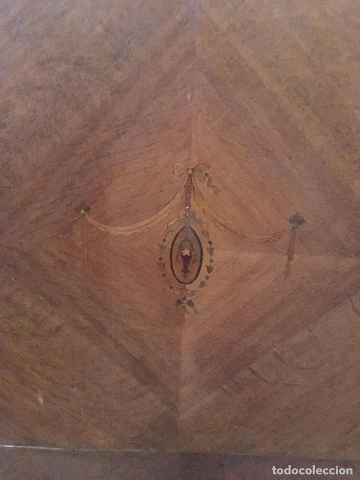 Antigüedades: INCREÍBLE ARMARIO DE MADERA MACIZA - Foto 2 - 122095215