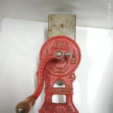 Antigüedades: RALLADOR DE PAN MARCA ELMA. 25X8X17. Lote 122166923