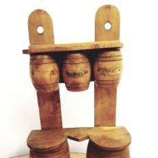Antigüedades: ESPECIERO, COLGADOR CON TARROS DE MADERA PARA ESPECIAS / HIERBAS 22X38CM. Lote 122175002